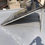 不要になった架台付き太陽熱温水器の撤去及び撤去後の一部防水補修工事